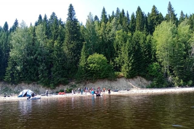 Лагерь исследователей на берегу Камы.