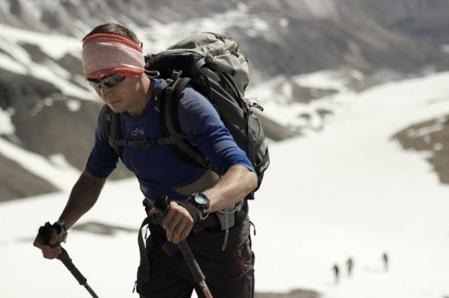 Ситуацию, которая сложилась на склоне, альпинист оценивает как критическую.