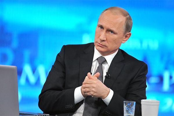 Владимир Путин перебил журналистку и тут же извинился за это.