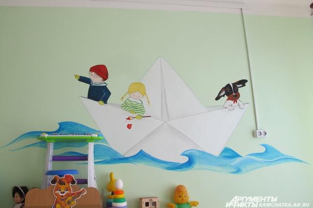 Светлана Васильева расписала стены детского сада.