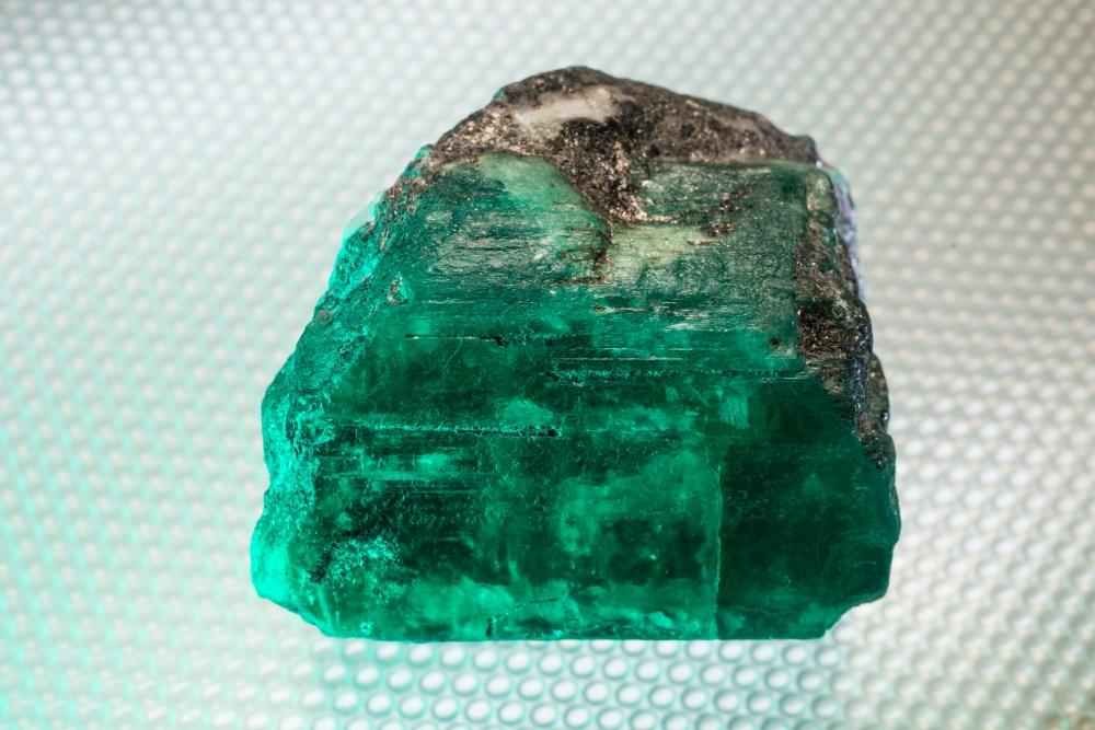 Изумруд и александрит - вторые по цене после алмаза.