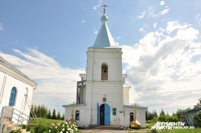 Когда на храме установят купола - неизвестно.