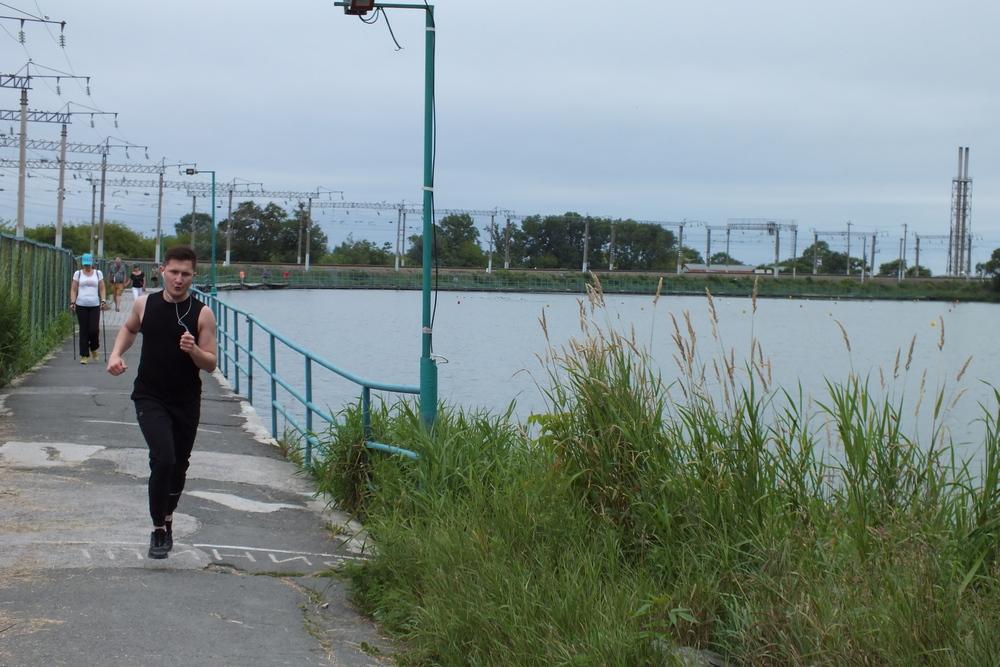 Озеро «Юность» - место для пробежек и отдыха.
