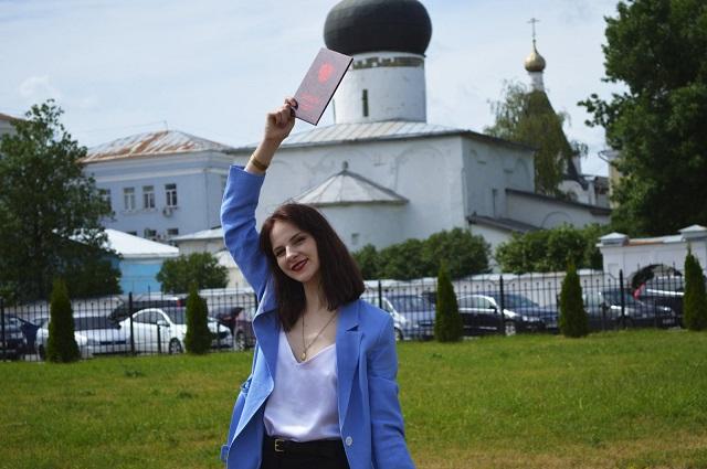 Елена Чесак работает в ТПП Псковской области лингвистом-переводчиком
