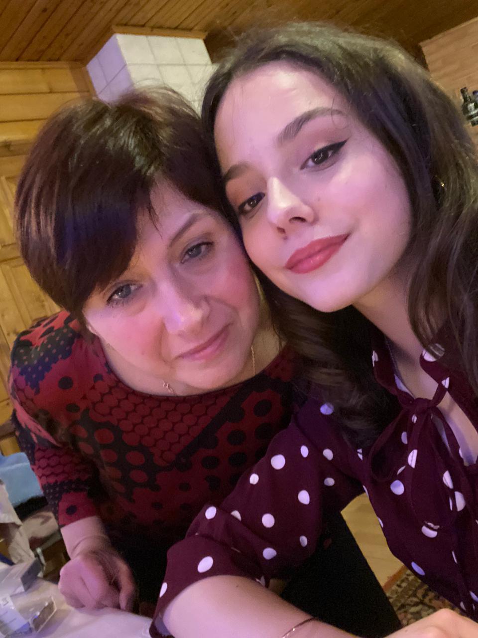 Татьяна и Лера Абакумовы.