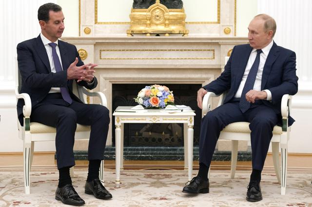 Президент РФ Владимир Путин и президент Сирии Башар Асад во время встречи.