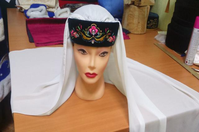 калфак, шапка, татарский национальный головной убор, манекен,