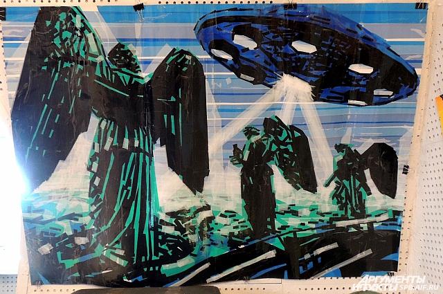 Издалека работы Николая похожи на картины, нарисованные красками.