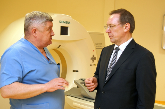 С главным врачом Федерального центра сердечно-сосудистой хирургии Юрием Шнейдером пройдено немало. Теперь стали лучшими друзьями.