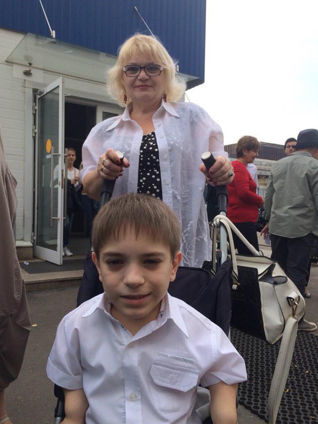 Мама Данила Ирина Афанасьева прилагает все усилия для того, чтобы ее сын был счастлив.