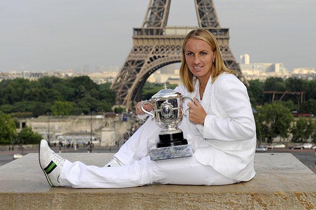 Теннисистка Светлана Кузнецова после триумфа на Ролан Гаррос в 2009 г.