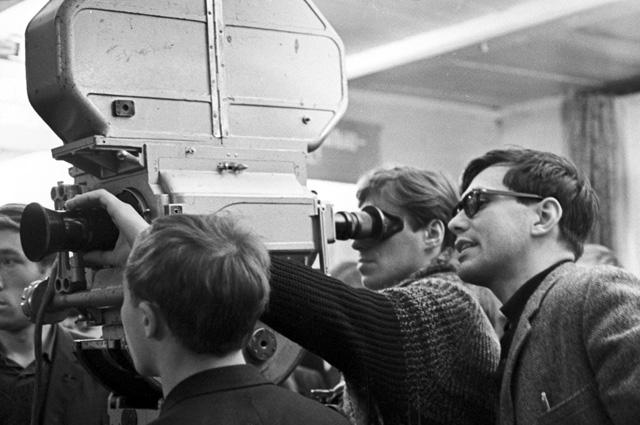 Оператор Георгий Рерберг и режиссер-постановщик Андрей Михалков-Кончаловский. 1966 год.