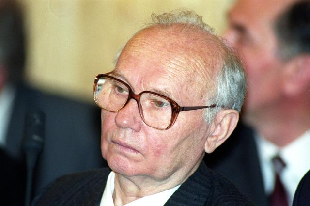Владимир Крючков в Верховном суде Российской Федерации на процессе по делу ГКЧП. 1993 г.