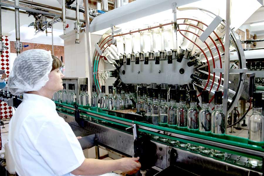Бутурлиновский ликероводочный завод – одно из старейших воронежских предприятий, которое в 1901 году основал граф Дмитрий Бутурлин.