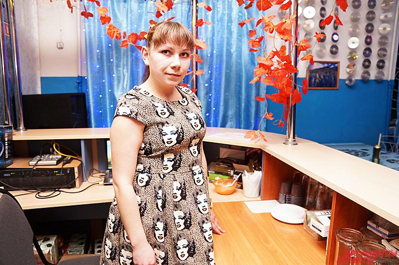 23-летняя Оксана Реутова, диджей и бармен в клубе