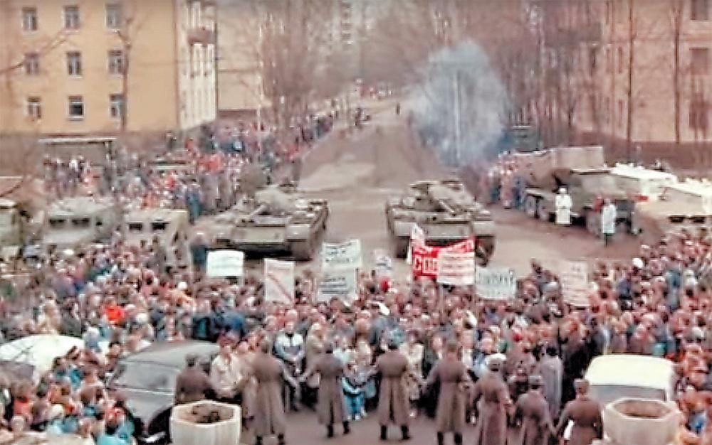 После съёмок фильма укунцевской ребятни остались фотографии станками.