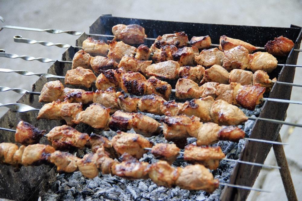 Еда, приготовленная на свежем воздухе, всегда кажется вкуснее.