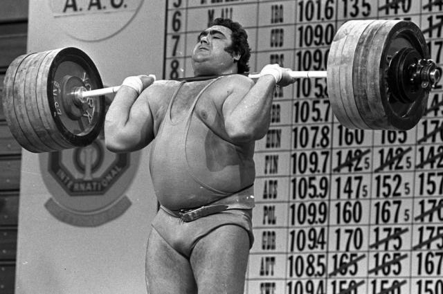 Советский тяжелоатлет установил 81 мировой рекорд