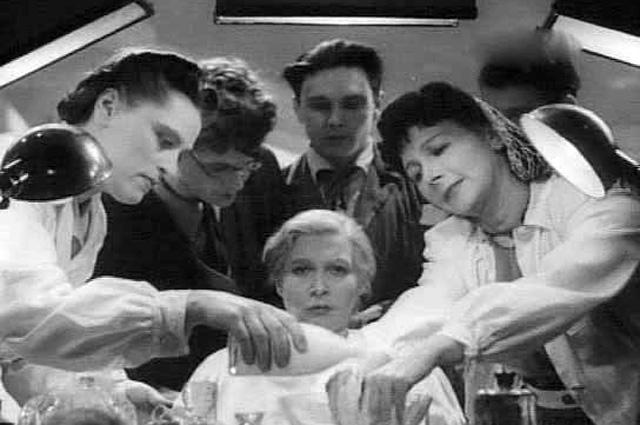 Кадр из фильма «Весна», 1947 год.