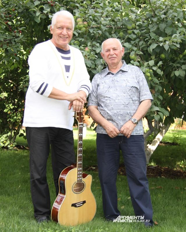 Композитор Морозов и поэт Калинкин (справа) записали несколько совместных альбомов.