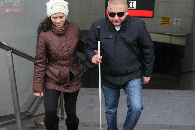 Инвалид по зрению Сергей Ногтев.