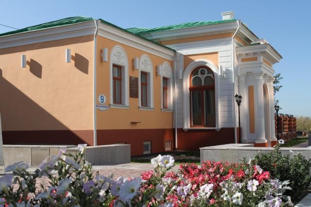 Резиденция Верховного правителя России в Омске. Иртышская набережная, 9.