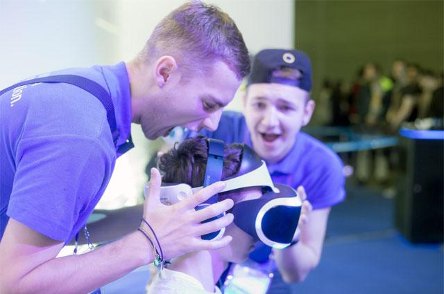 Шлем PlayStation VR.