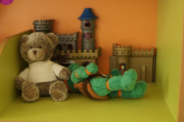 Выбрать безопасную игрушку непросто.