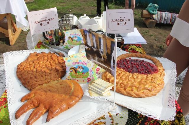 Пироги - традиционное угощение в Сибири.