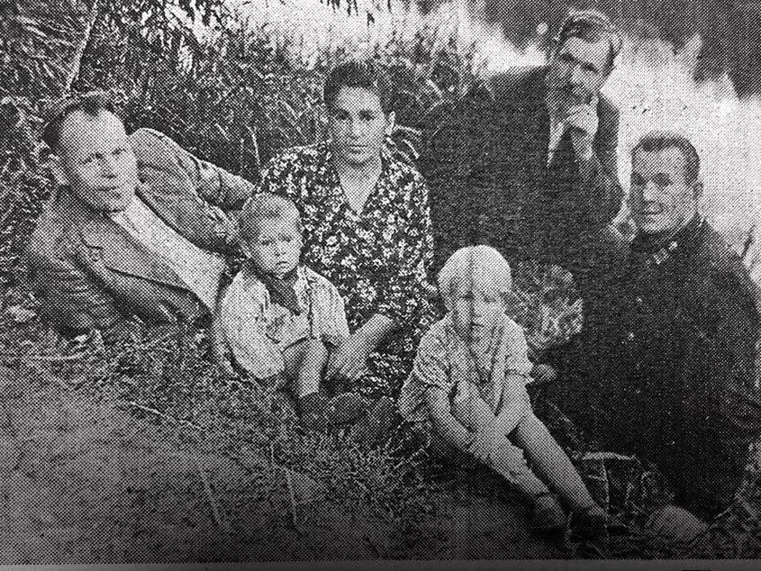 Дмитрий Покидов с семьей.