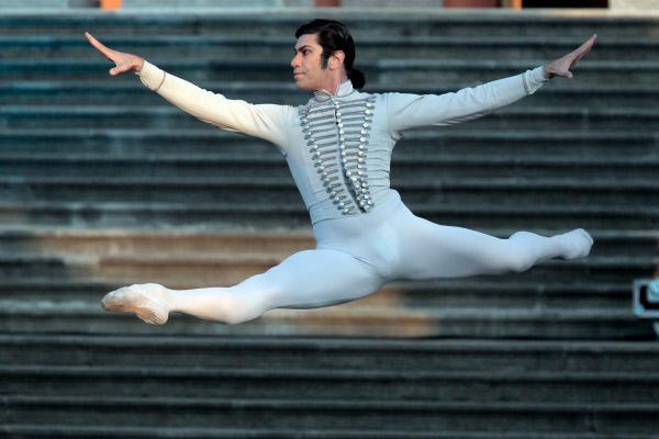 Николай Цискаридзе на гала-концерте Борис Эйфман и звезды балета на открытой площадке перед Михайловским замком. 2012 год
