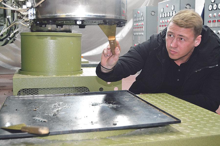 Максим Корабельников: «Только благодаря практике и своим рукам можно понять и освоиться в производстве».