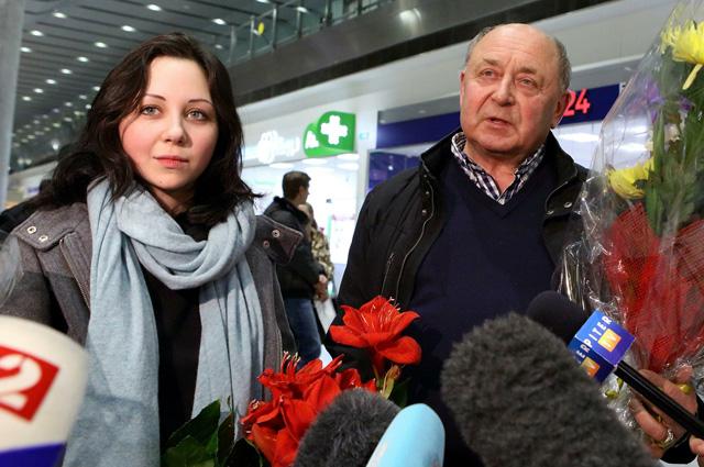 Елизавета Туктамышева с тренером Алексеем Мишиным после ЧЕ-2015
