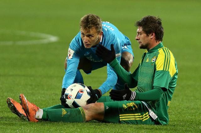 Успел дебютировать за свою новую команду в матче против «Зенита» в 1/4 финала Кубка России по футболу (0:1).