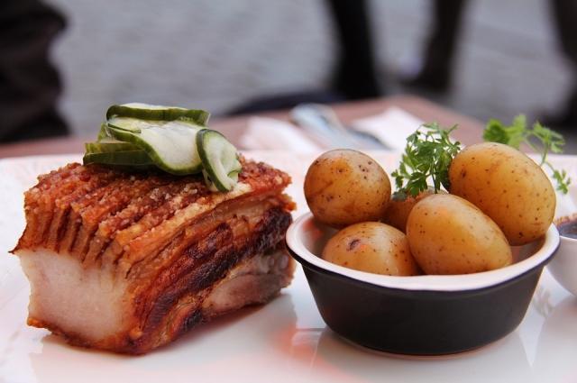 Картофель и мясо - идеальное сочетание для настоящих мужчин.