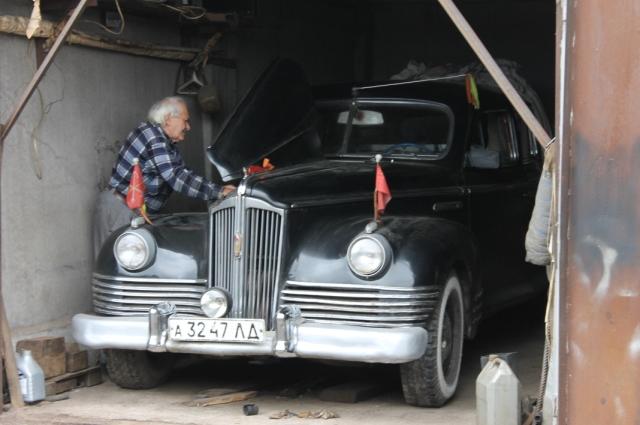 Если бы не любовь владельца к старым автомобилям, ЗИСов в мире стало бы на один меньше.