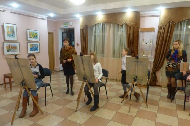 Музей братьев Ткачевых приглашает в рисовальный салон.