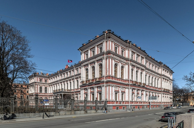 Николаевский переименовали в Дворец Труда.