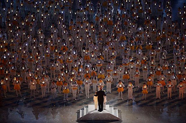 Валерий Гергиев во время театрализованного представления на церемонии закрытия XXII зимних Олимпийских игр в Сочи
