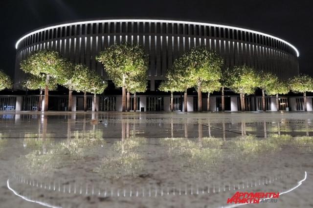 Стадион «Краснодар» ночью.