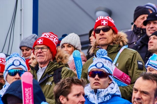 Болельщики из России и Швейцарии.