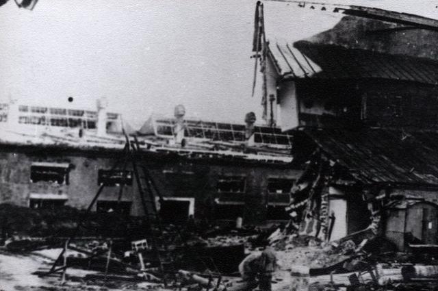 В годы войны Ярославль получил серьёзные разрушения в ходе бомбардировок фашистскими налётчиками.