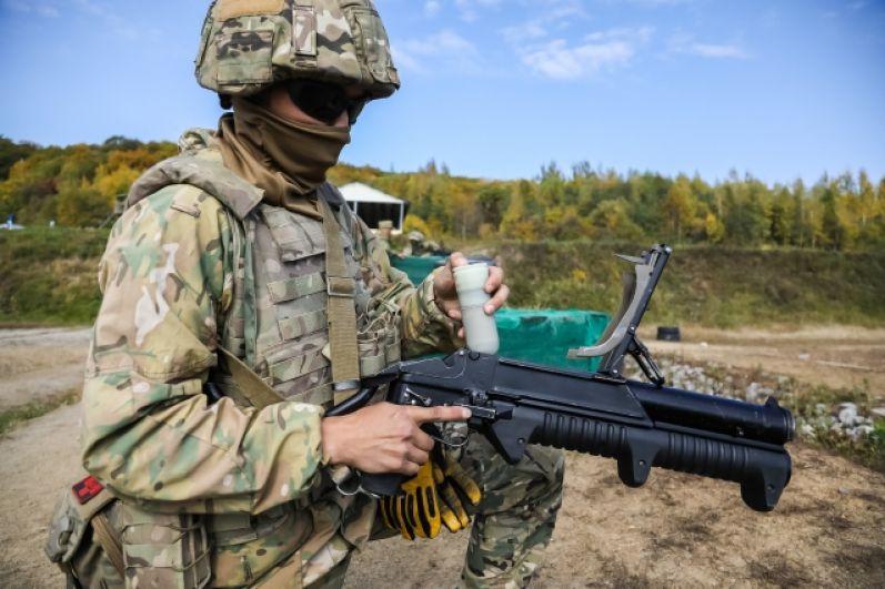 Огнеметчик-химик отряда специального назначения из Хабаровска, ефрейтор Ай-Херел К. набрал 31% (21 285 голосов)