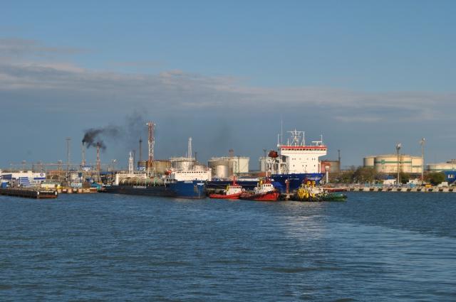 Керченская переправа пока не построен Крымский мост – единственная связующая между полуостровом и материковой Россией, не считая авиасообщения.