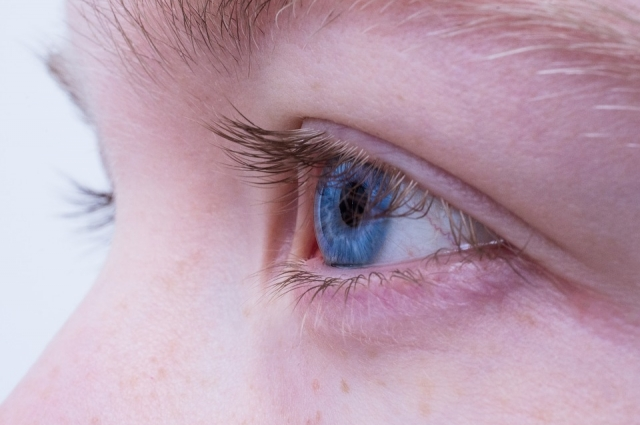 Зрение мало приспособлено к работе с компьютерным изображением.