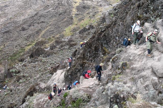 Сегодня почувствовать себя в диких условиях на Килиманджаро сложно.