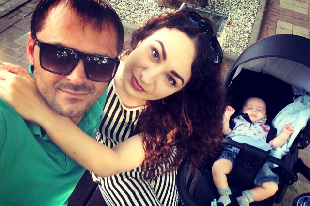 Кристина, Ахмед и их сын Дамир.