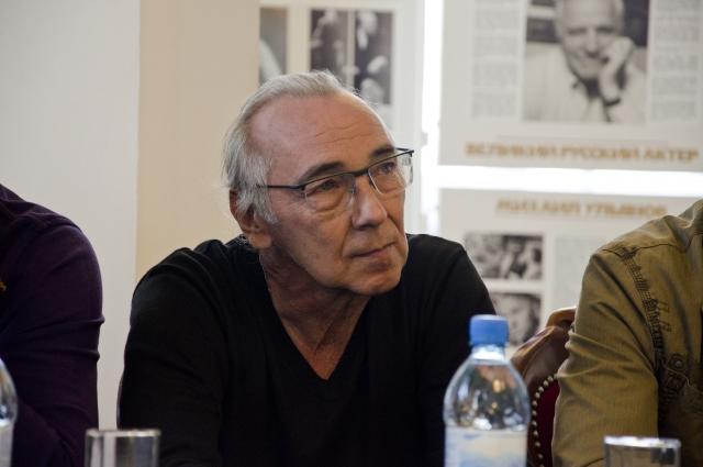 Заслуженный артист РФ Валерий Штепин занят в нескольких постановках.