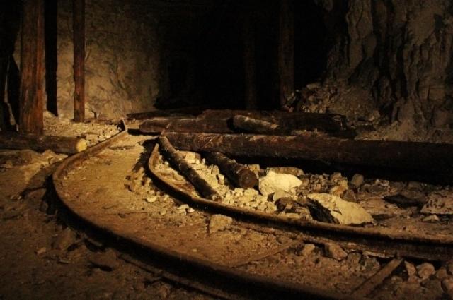 В память о погибших спасателях в Сокских штольнях среди спелеологов ежегодно проходят соревнования «Подземный след».