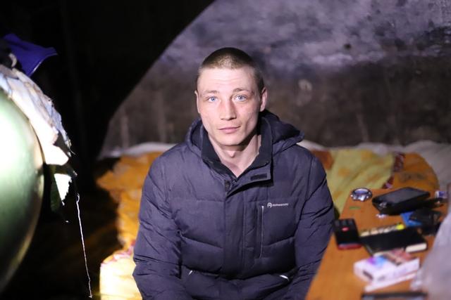 Владимир живет в хабаровском колодце 9 лет.